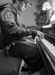 dustin-piano